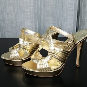 BCBGirls Yellow/Gold Metalic Leather Heels